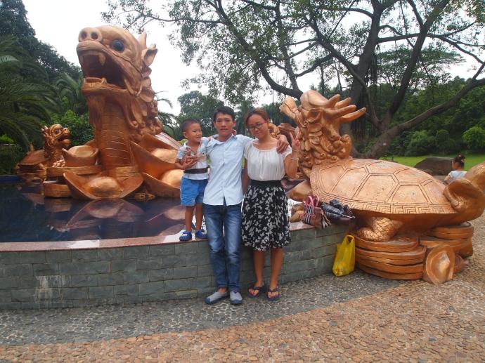 the nice couple who led me to the zoo