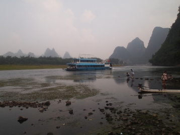 river boat on the Li River