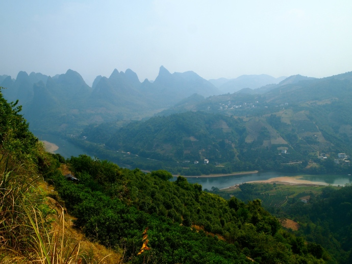 a glimpse of the Li River south of Xingping