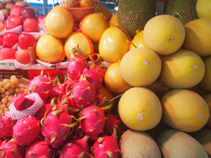 pomelo and dragon fruit