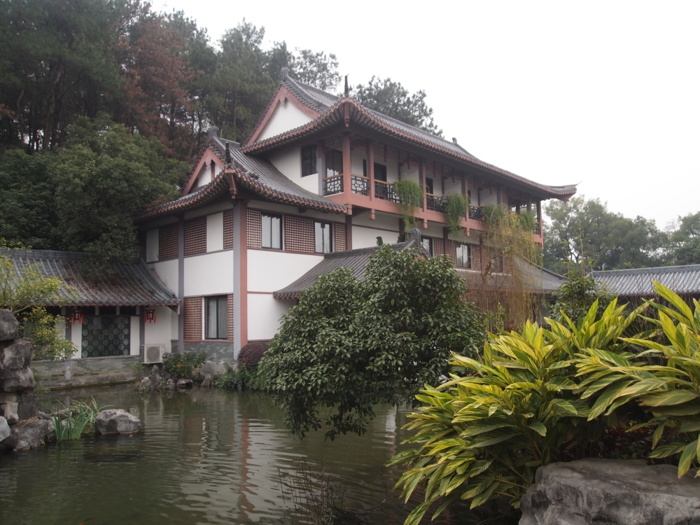 a lazy morning at the guilinyi royal palace before heading to yangshuo (2/6)