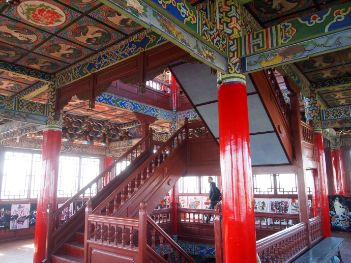 the steps, columns and ceilings in Wangu Pavilion