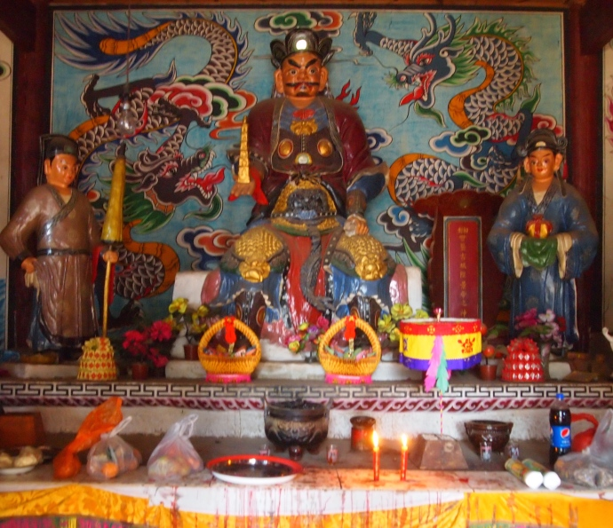 Characters in the Bai Temple