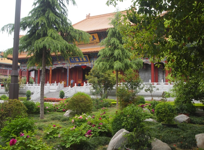 gardens of Daxingshan Si