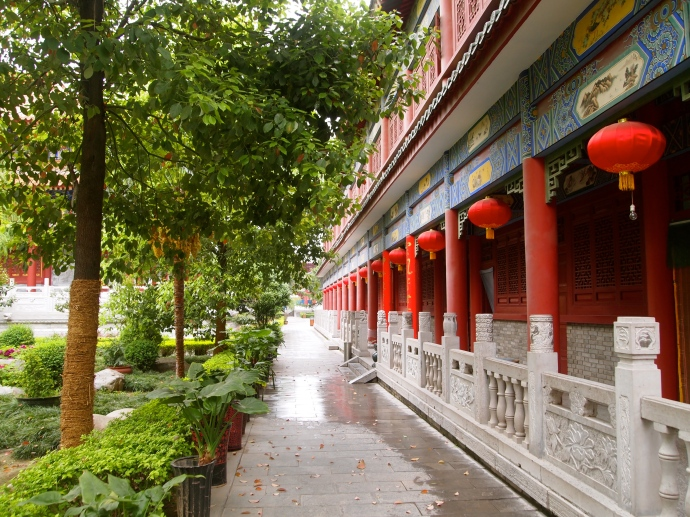 corridor at Daxingshan Si