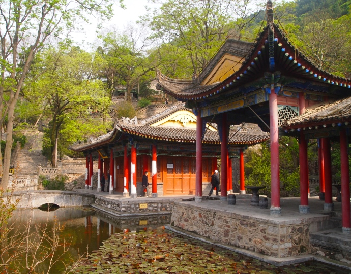 Gardens & pavilions at Huaqing Hot Springs