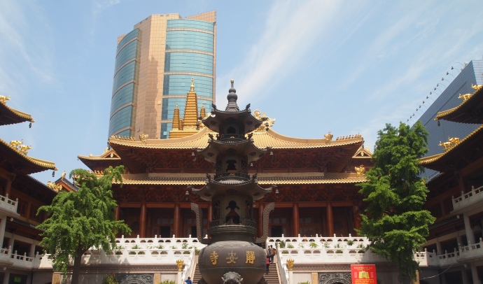 the main prayer hall at Jing'an Si
