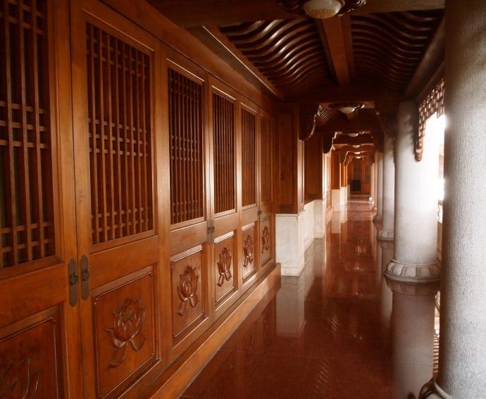 corridor in Jing'an Si