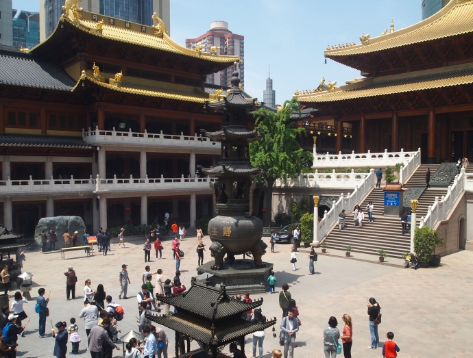 Courtyard at Jing'an Si