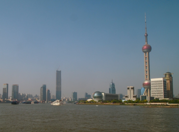 looking north down the Huangpu River