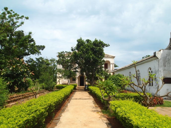 the grounds at Saint Maria Church