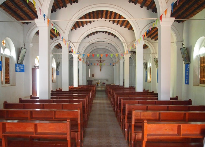 inside Saint Maria Church