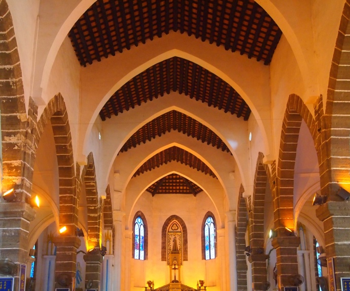 Inside Catholic Cathedral, Shèngtáng